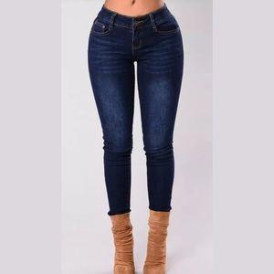 Fashion Nova Make Some Noise Skinny Jean.